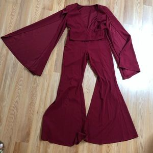 Fashion Nova slit and flare set burgundy